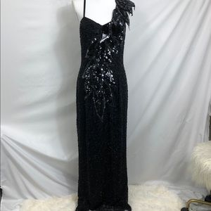 BLACK TIE BRAND FORMAL BEADED GOWN EUC PROM
